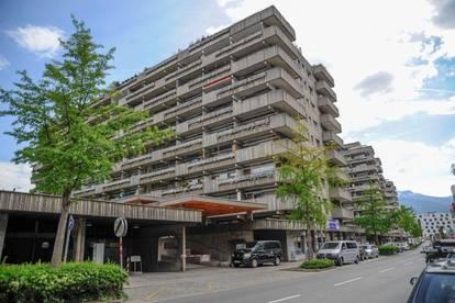 Neu renovierte Garconniere mit Balkon, zentrale und ruhige Lage in Mariahilfpark in Innsbruck, 5 Minuten zur UNI / Apartment with balcony, central and quiet located in Mariahilfpark/Tyrol/Innsbruck, 5 minutes to UNI