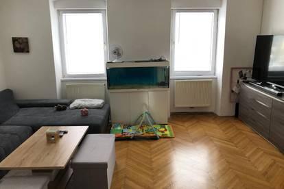 Wohnung mit Garten und Balkon