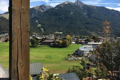 Sehr sonnige und möblierte Balkon-Wohnung in Seefelds Top-Lage für 6 Monate zu vermieten