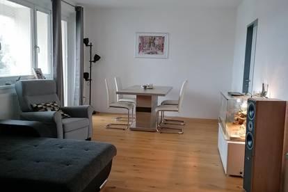 Große 103 m2 Wohnung hochwertig saniert und in perfekter Lage