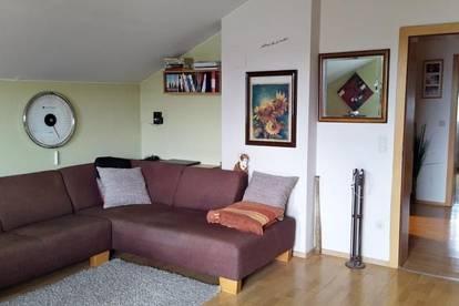 Freundliche 2-Zimmer-Wohnung mit Loggia