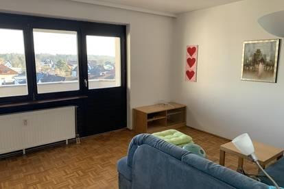 Kleine helle Wohnung mit sonniger Terrasse!