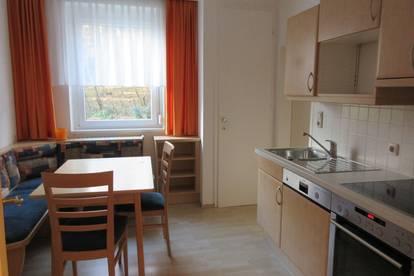 Ruhige Single- oder Pärchenwohnung mit Balkon, Nähe TU, Privat