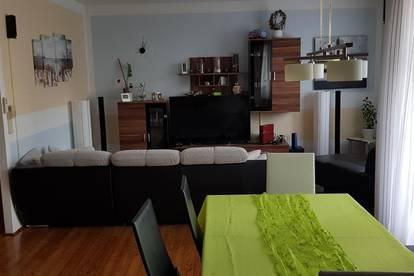 Wunderschöne 3 Zimmer Genossenschaftswohnung in ruhiger Lage