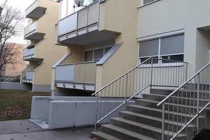 Provisionsfrei: Bezugsfertige 2,5-Zimmer Wohnung im Hochparterre