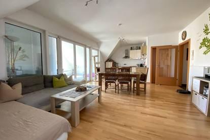 Moderne 84m² große Wohnung mit Lift und ca. 20m² großer Loggia!