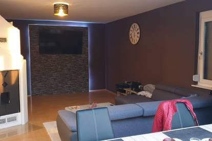 Große Mietwohnung mit 3 Schlafzimmer, schöner Küche und Kamin nähe Feldbach