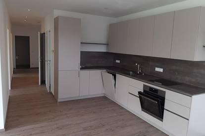Perwang - sonnige 4-Zimmer-Wohnung mit Balkon zu mieten!