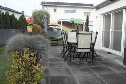 Wohnen in ruhiger Lage am Murradweg! Gepflegtes Einfamilienhaus mit Doppel-Carport!