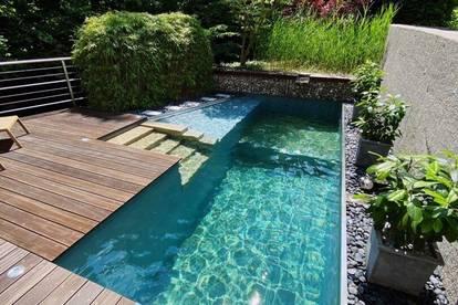 Haus mit pflegeleichten Garten und Pool