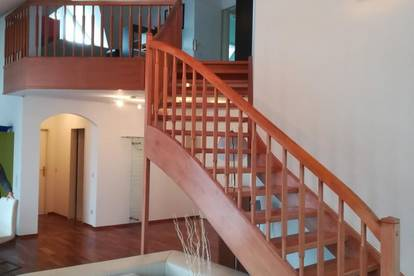 Sehr zentral gelegene u. luxuriöse, teilmöblierte 140 m² Wohnung in Villach zu mieten!