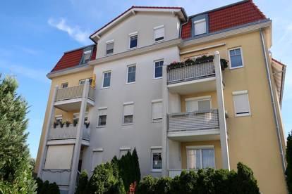 Sonnige 3 Zimmer Wohnung mit Balkon und Garagenplatz