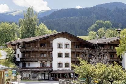 Schönes Hotel in aufstrebendem Tourismusort