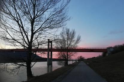 Idyllische Stadtwohnung (Erstbezug) im sonnigen Grünen nahe Donau