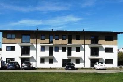 Provisionsfreie Neubau 3-Zimmer EG Wohnung mit Fiesen u. Laminat, Terrasse, Gartenanteil im Zentrum von Ach zu vermieten