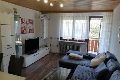 Koffer packen und einziehen- vollmöblierte, helle 50m2 Wohnung mit Balkon in ruhiger Lage