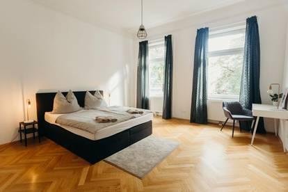 Hochwertige 3-Zimmer Altbauwohnung, Voll- Möbliert