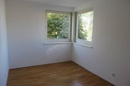 Wunderschöne helle 2-Zimmerwohnung mit Balkon