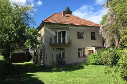 Charmantes Haus mit 850qm Grundstück im grünen Herzen Annabichls - wecken Sie diese liebenswerte Stadtvilla aus ihrem Dornröschenschlaf
