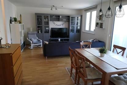 Helle 2-Zimmer Wohnung mit Loggia (optional mit KFZ-Abstellplatz)