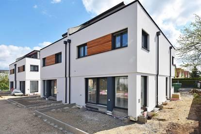 Moderne Doppelhaushälften mit großzügiger Dachterrasse und Keller