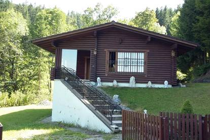 Holzhaus in völliger Ruhelage
