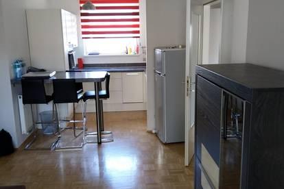 2-Zimmerwohnung mit Küche, teilw. möbliert, Balkon, Tiefgaragenparkplatz und Lift in Eggenberg - Provisionsfrei
