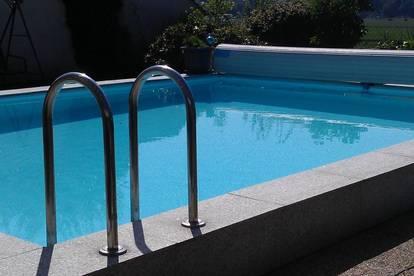 Gehobenes Wohnhaus mit Pool, 2 getrennte Wohneinheiten möglich, provisionsfrei