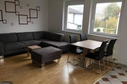 ruhige, familienfreundliche, gut geschnittene Wohnung in Schönering