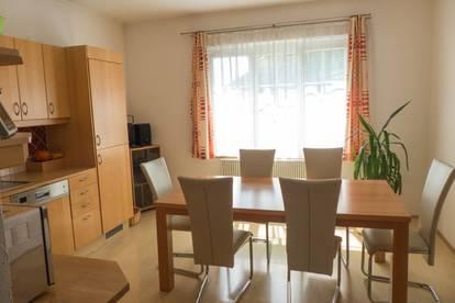 schöne 93 m² Wohnung im Ortskern am Marktplatz