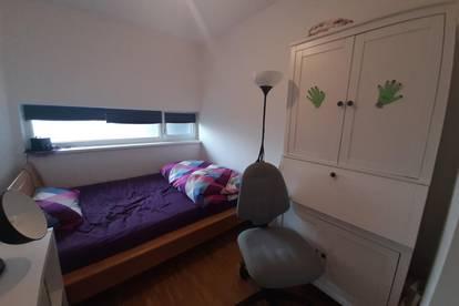 Zimmer in 3er WG nähe JKU