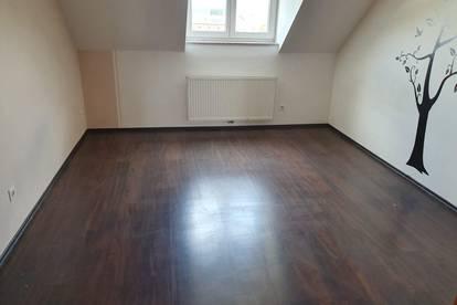 Sehr gepflegte helle Wohnung in Wiener Neustadt zentrumsnah