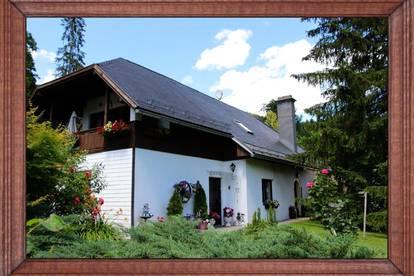 Eindrucksvolles Ein- bis Dreifamilienhaus im Aurachtal bei Gmunden