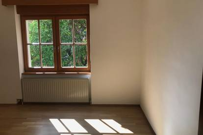3 Zimmer Wohnung mit Terrasse und Garten