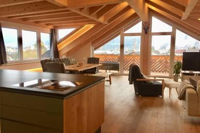Sonnige DG-Wohnung (170 m²) im modernen Chalet-Stil