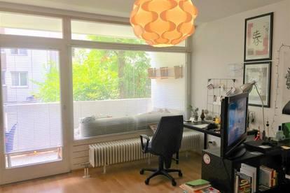 Ruhige, zentrale, sonnige 2,5 Zimmer Wohnung mit Balkon