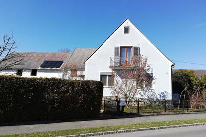 Provisionsfreies Bauernhaus mit Nebengebäude