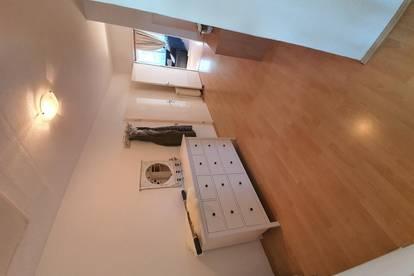 Helle 114qm Wohnung mit 20qm Balkon