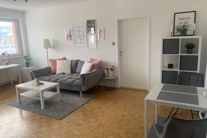 Wunderschöne 2 Zimmer Wohnung in Uni Nähe