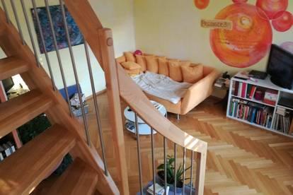 Entspannter Lifestyle in einer sonnendurchfluteten Bohemien Wohnung