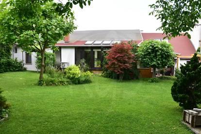 Einfamilienhaus mit  gepflegten Gartenbereich Altbau komplett renoviert bis 2013