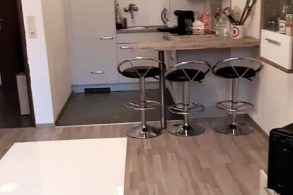 Vermiete sonnige 2-Zimmerwohnung in Zentrumsnähe - teilmöbliert - Provisionsfrei