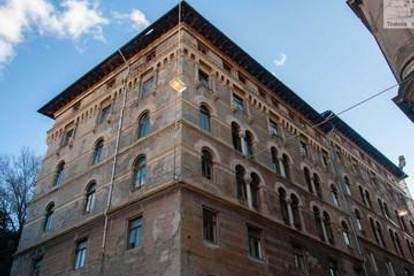Zwei Gebäudeeinheiten im prestigeträchtigen Zentrum von Triest