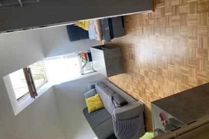 Kleine nette Dachgeschosswohnung