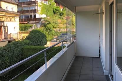 Helle Garconniere mit großem Balkon ideal für Studenten