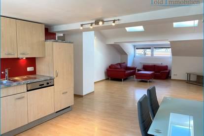Dachgeschoß-Wohnung in zentraler Lage