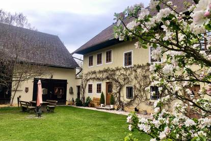 Romantik-Package:                                         Bauerngarten mit 70 m2  Maisonette-Wohnung