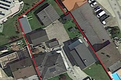 Verkaufe 2 Häuser mit großen Grundstück