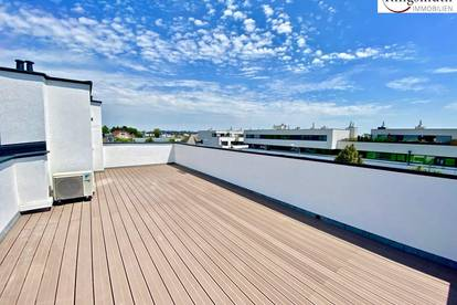 Reihenhaus mit ca. 40m² Dachterrasse, ca. 100m² Eigengarten, privatem Pool und voll Ausgestatteter Küche !!