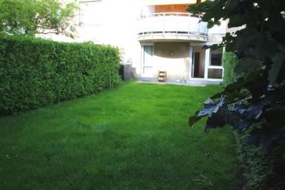 RESERVIERT - Sehr gut gelegene 2 Zimmer Wohnung mit eigenem Garten